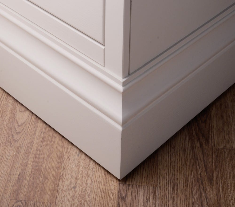 chunky and wide moulded painted plinth detail for the lundy painted range
