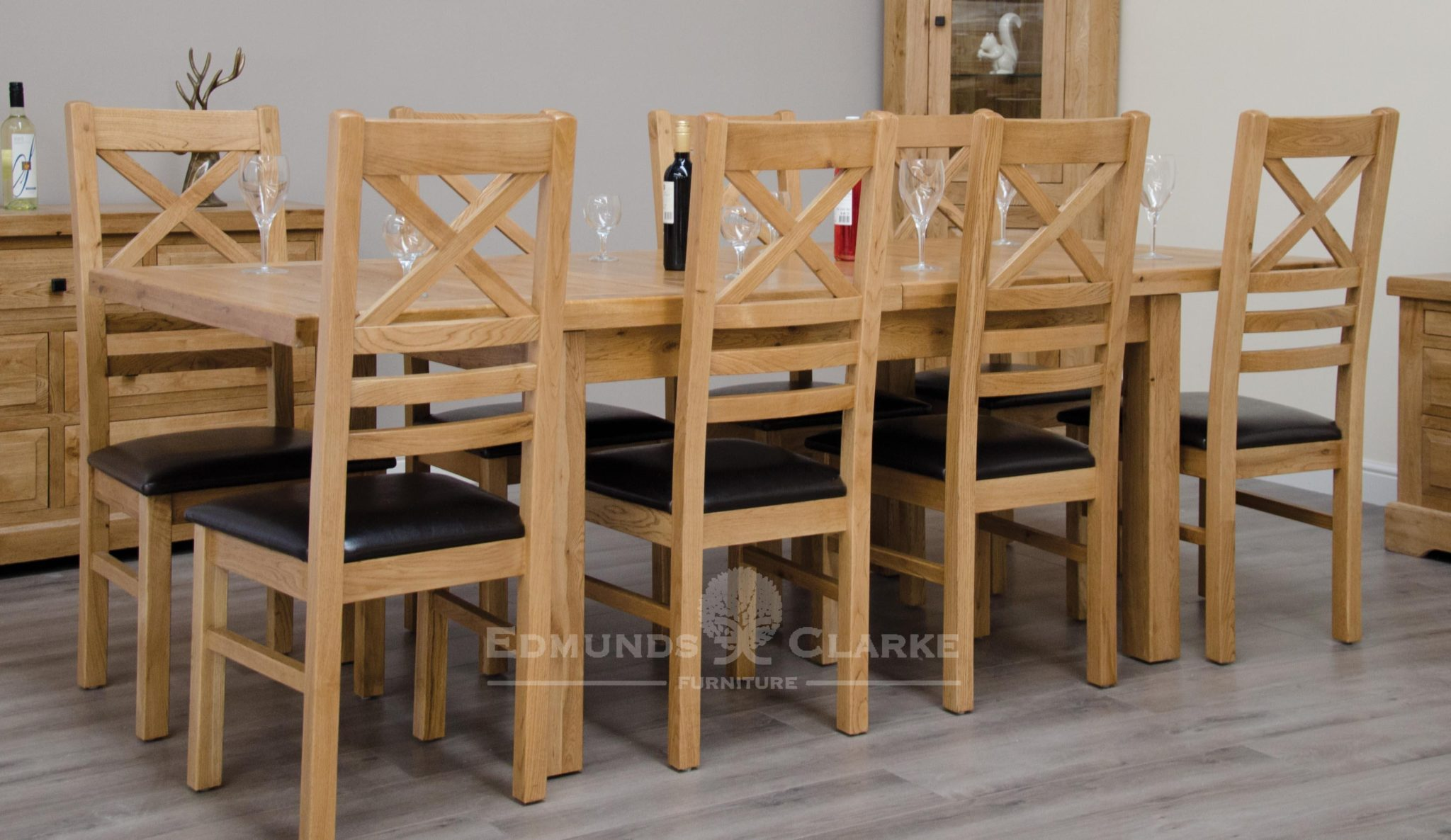 Melford solid oak 150cm extending table chunky, two leaves that store underneath will sit 4 to 8 people comfortably DLX1500EXT