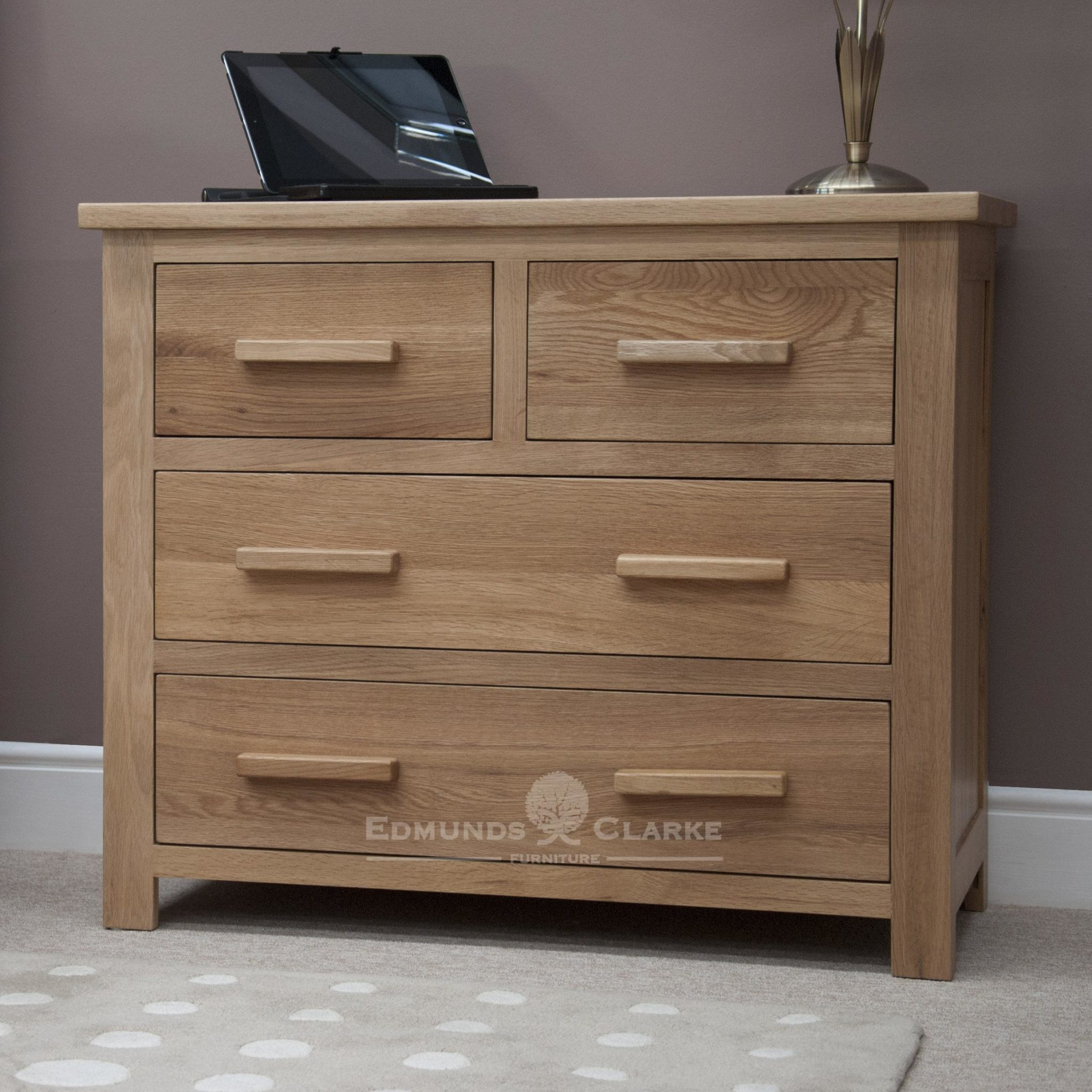 Bury Solid Oak 4 drawer chest . with 2 drawers and 2 long drawers under. light lacquered finish with choice of handles