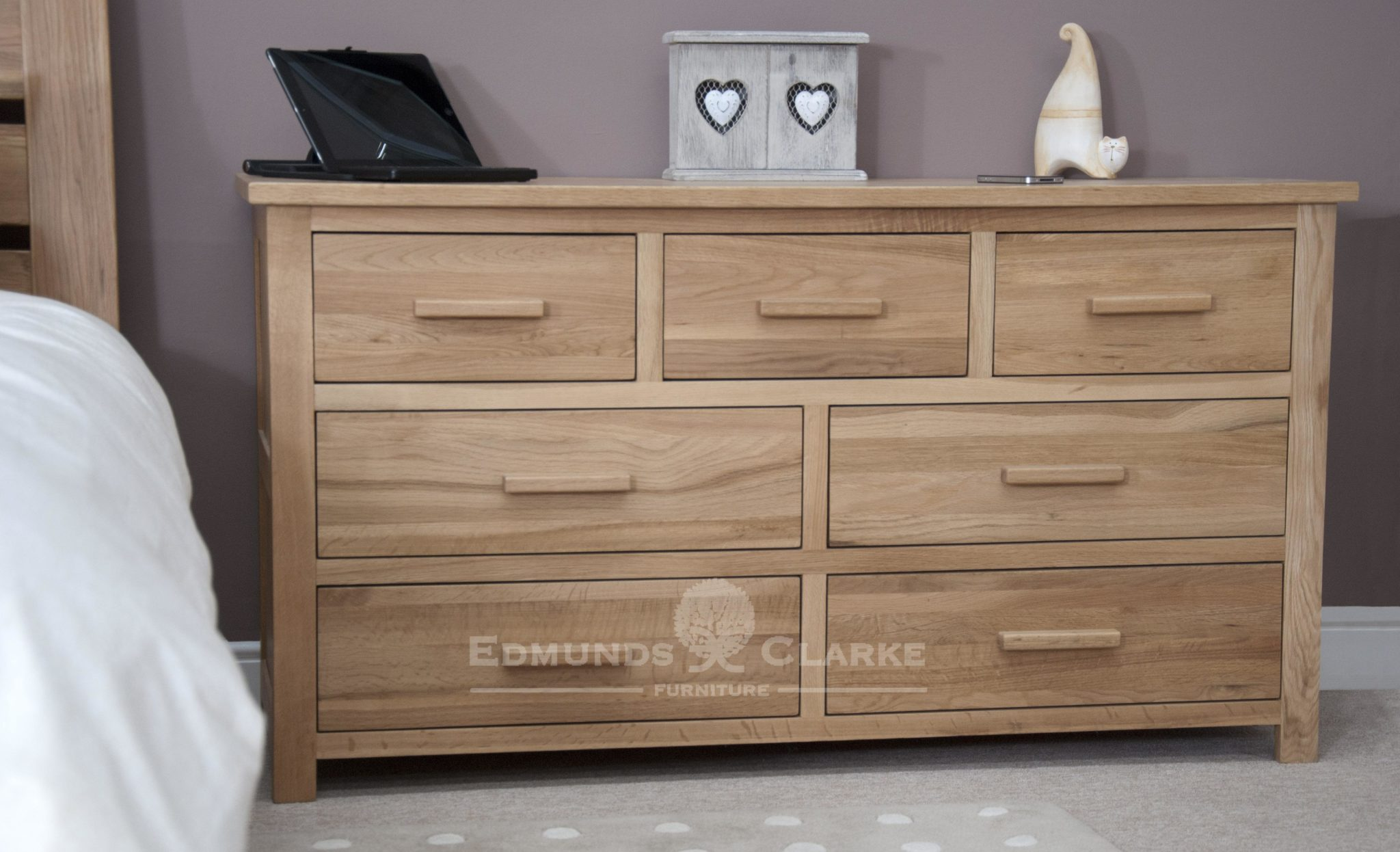 Bury Solid wide chest of drawers with 7 drawers and metal or wood handles in light lacquer finish