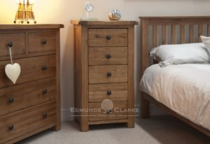 Lavenham solid rustic oak 5 drawer tall wellington chest. rustic tall drawers with rustic black knobs