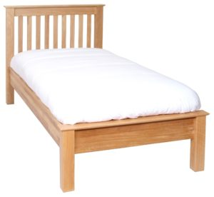 Norwich Oak 5ft King Size bed.Low Foot End. contemporary shaker style straight lines and shaped edges on tops. Slatted headboard with oak capping NNH35