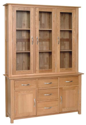 Norwich Oak 4'6 dresser Top Dresser, top only. contemporary shaker style straight lines and shaped edges on tops. shaped chrome bar handles. 2 fixed shelves and glass doors. NND40