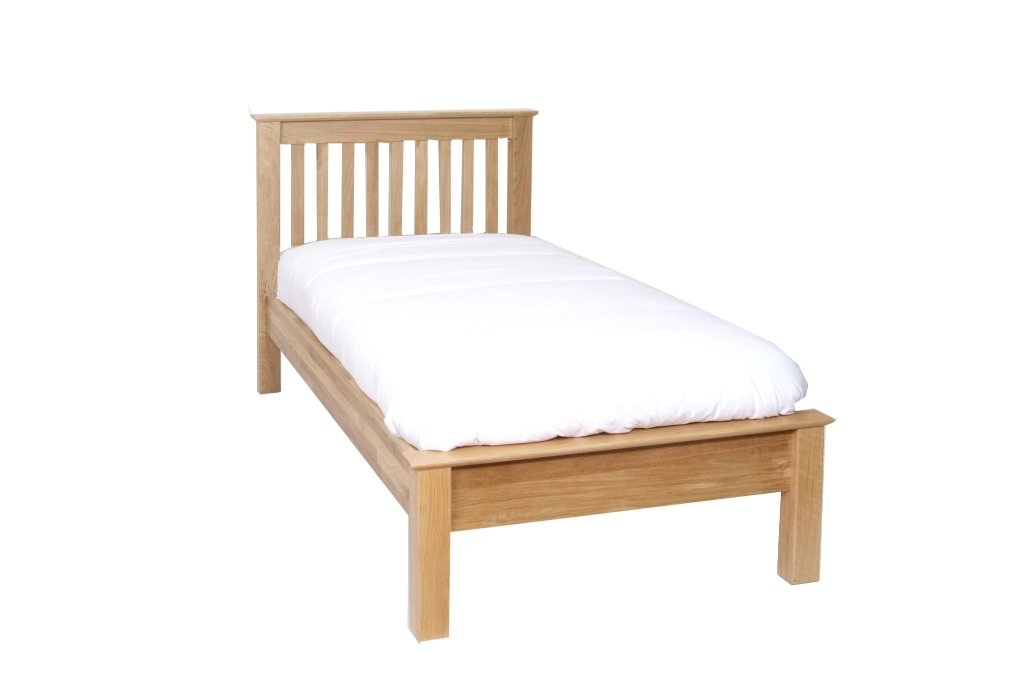 Norwich Oak 3ft single bed. Low Foot End. contemporary shaker style straight lines and shaped edges on tops. Slatted headboard with oak capping NNH15