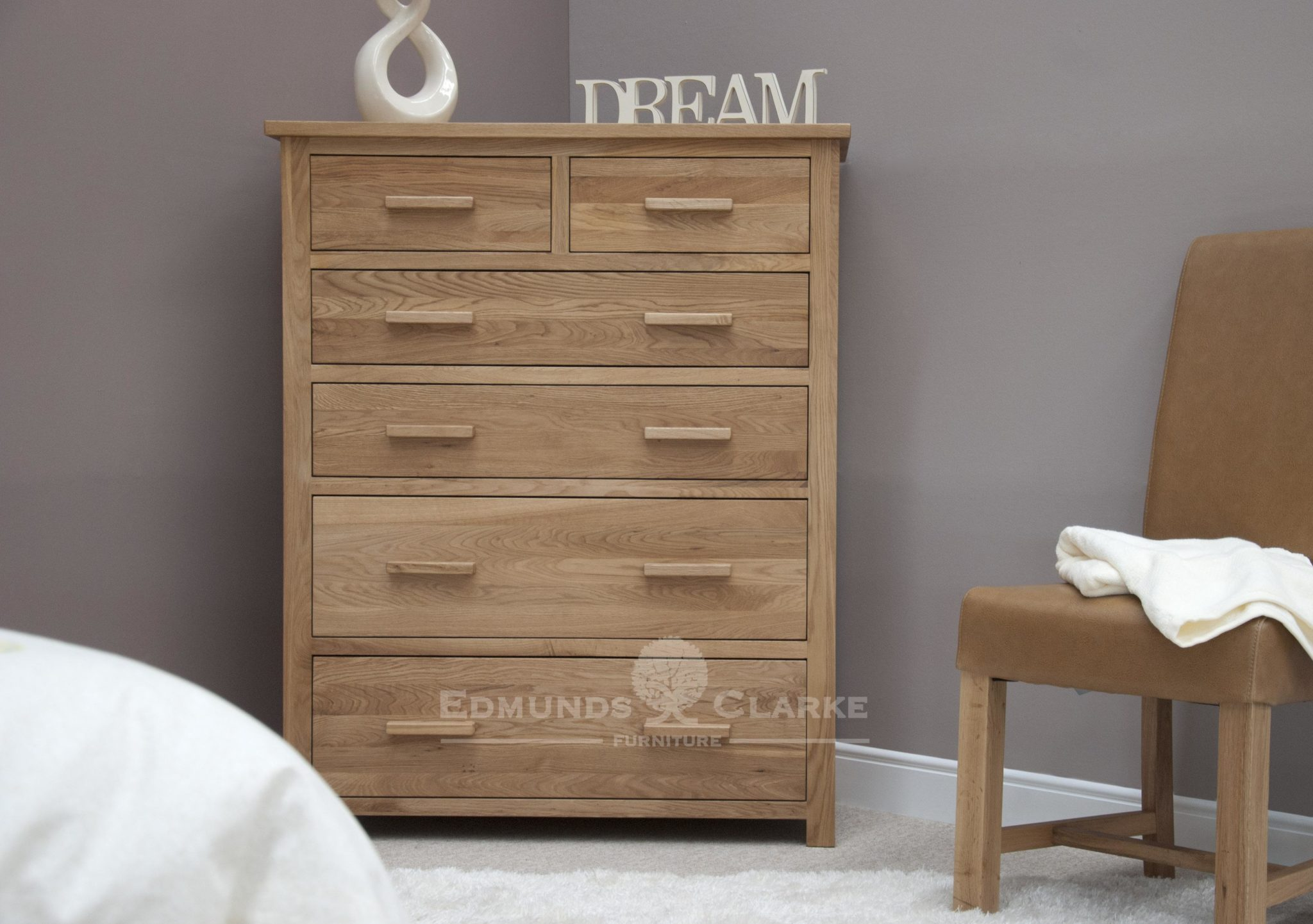 Bury solid oak large jumbo chest of drawers image shows oak bar handles.