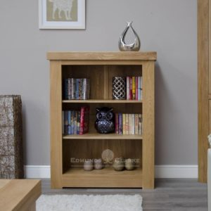 Hadleigh solid oak chunky small bookcase