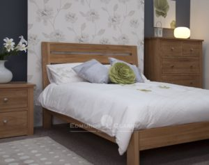 Solid Oak 4'6 Double Slatted Bed. wide horizontal slats in headboard