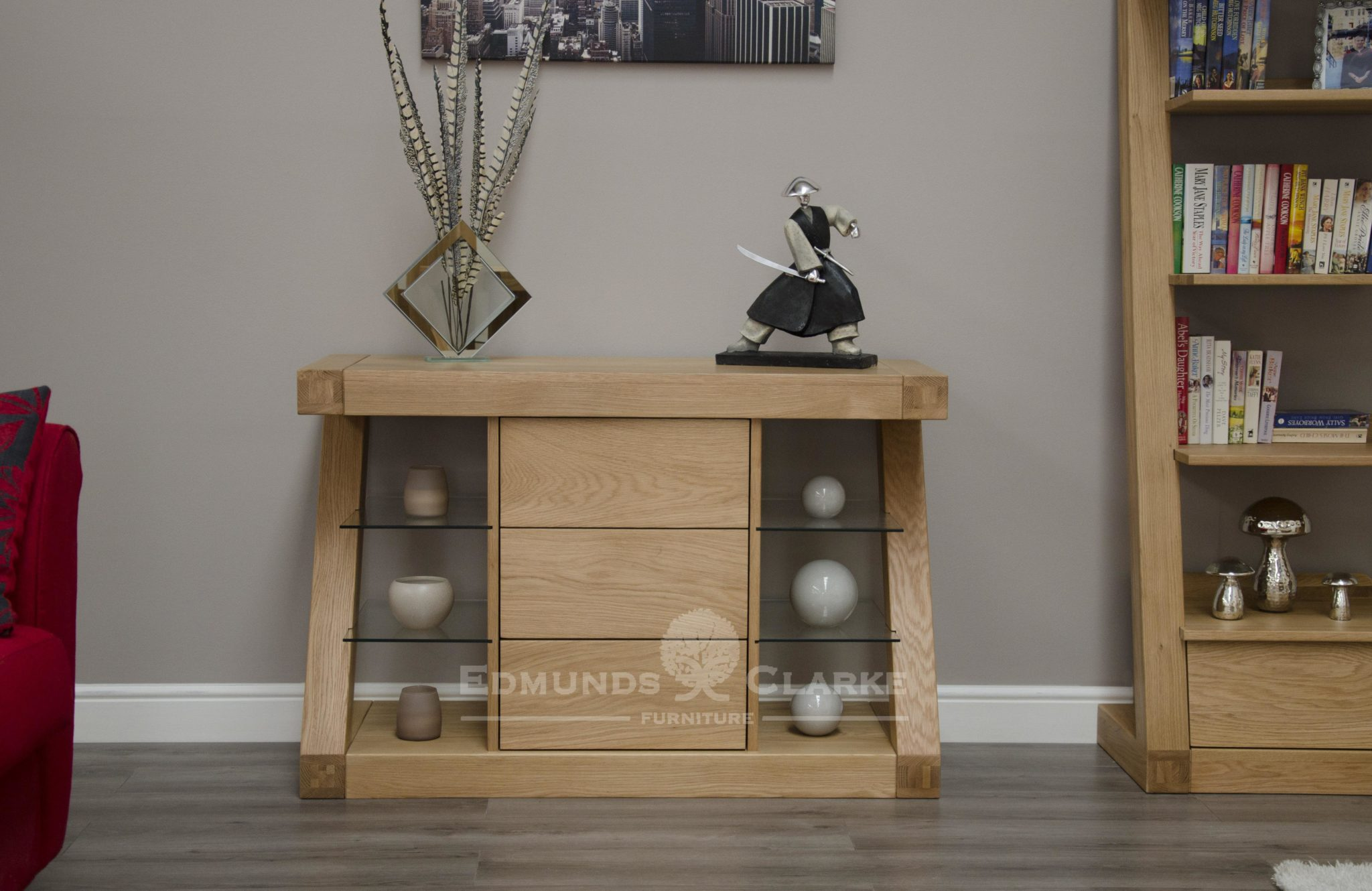 Z designer solid oak small sideboard with 3 central drawers glass shelves either side ZSSB