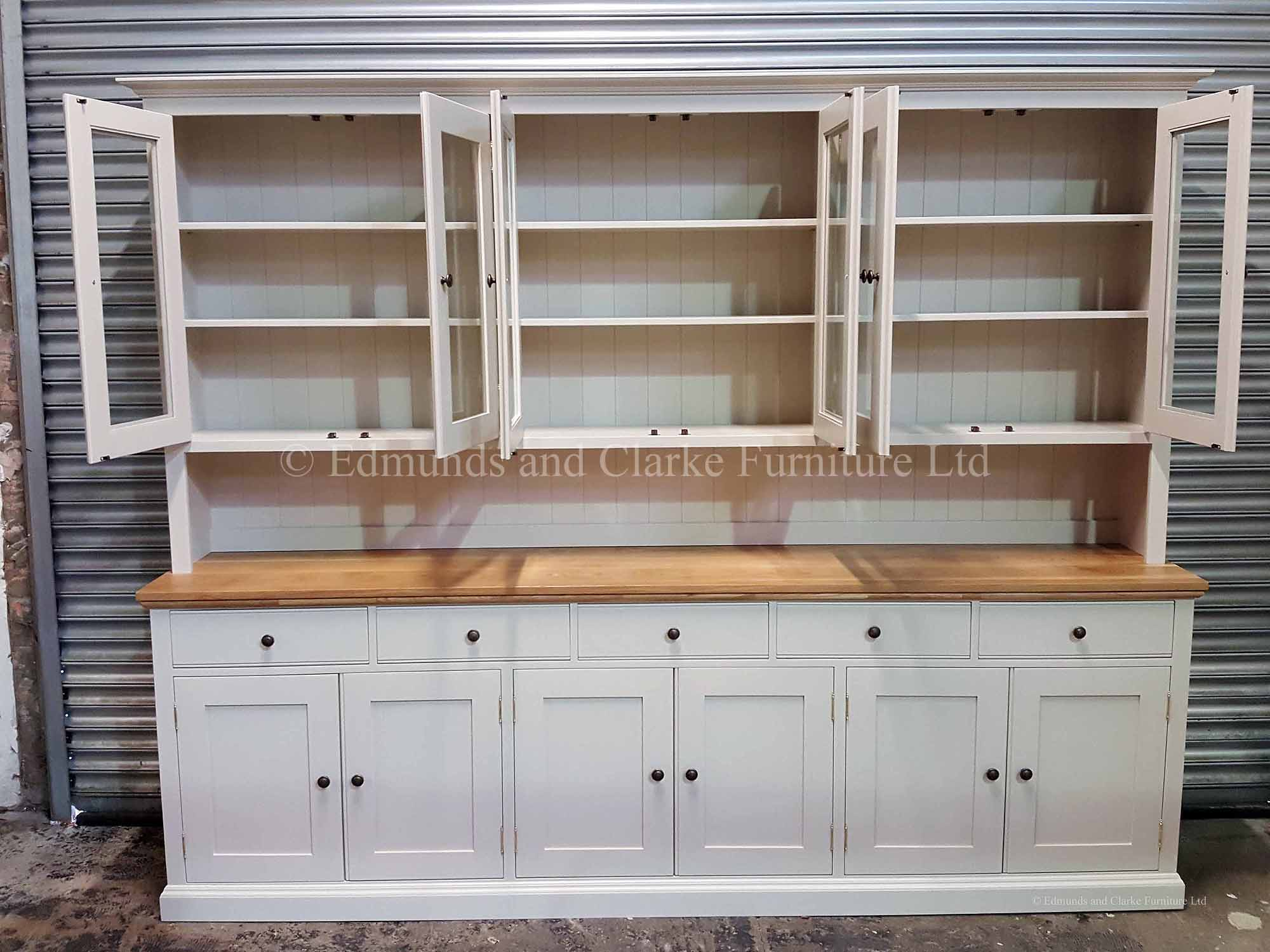 9ft complet dresser six glazed doors in rack with six doors in sideboard with five drawers above