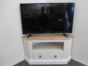 Edmunds standard one drawer tv unit and space for seperates