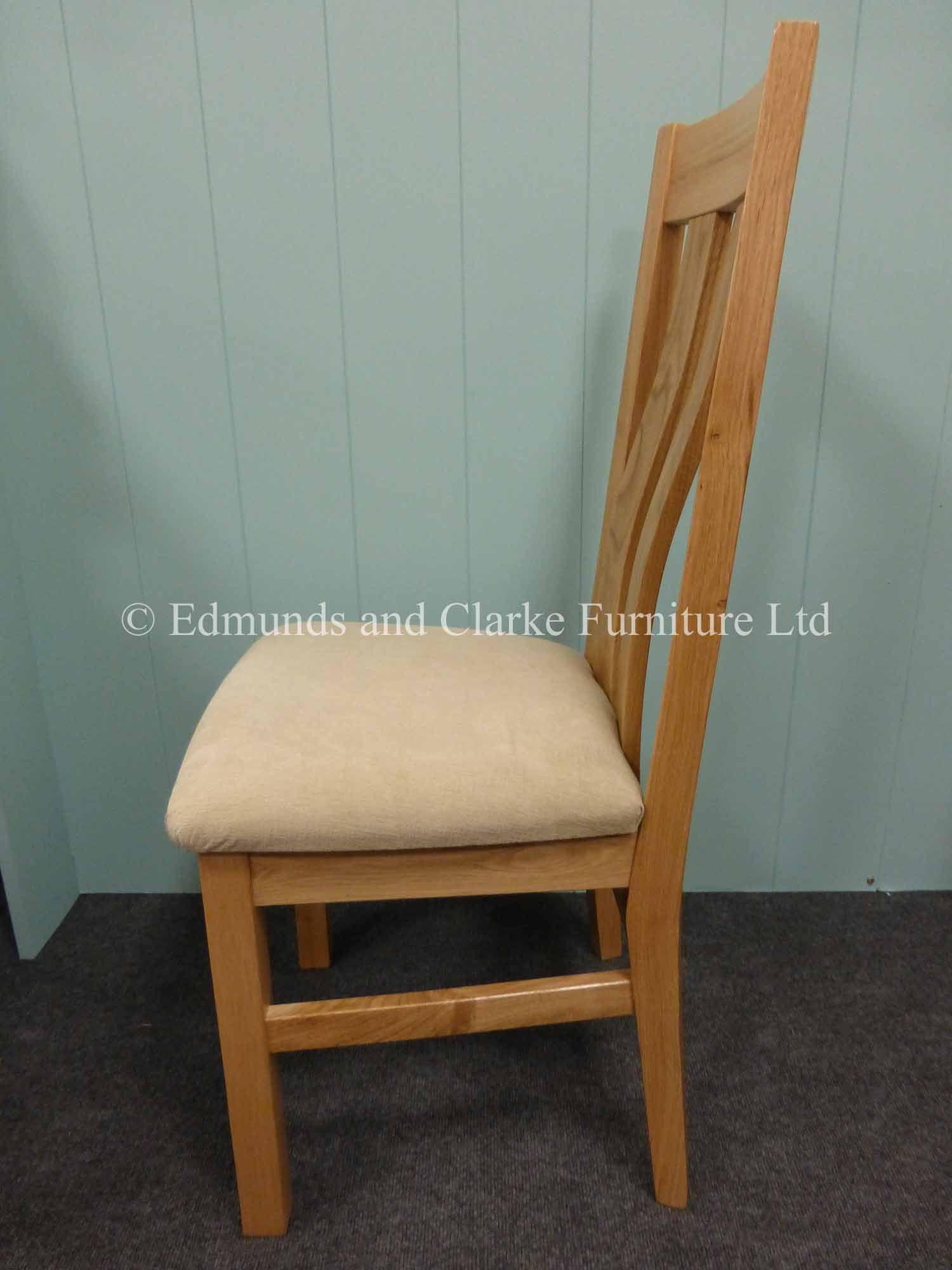 Harris oak dining chair available with choice of leather or fabric seat pads