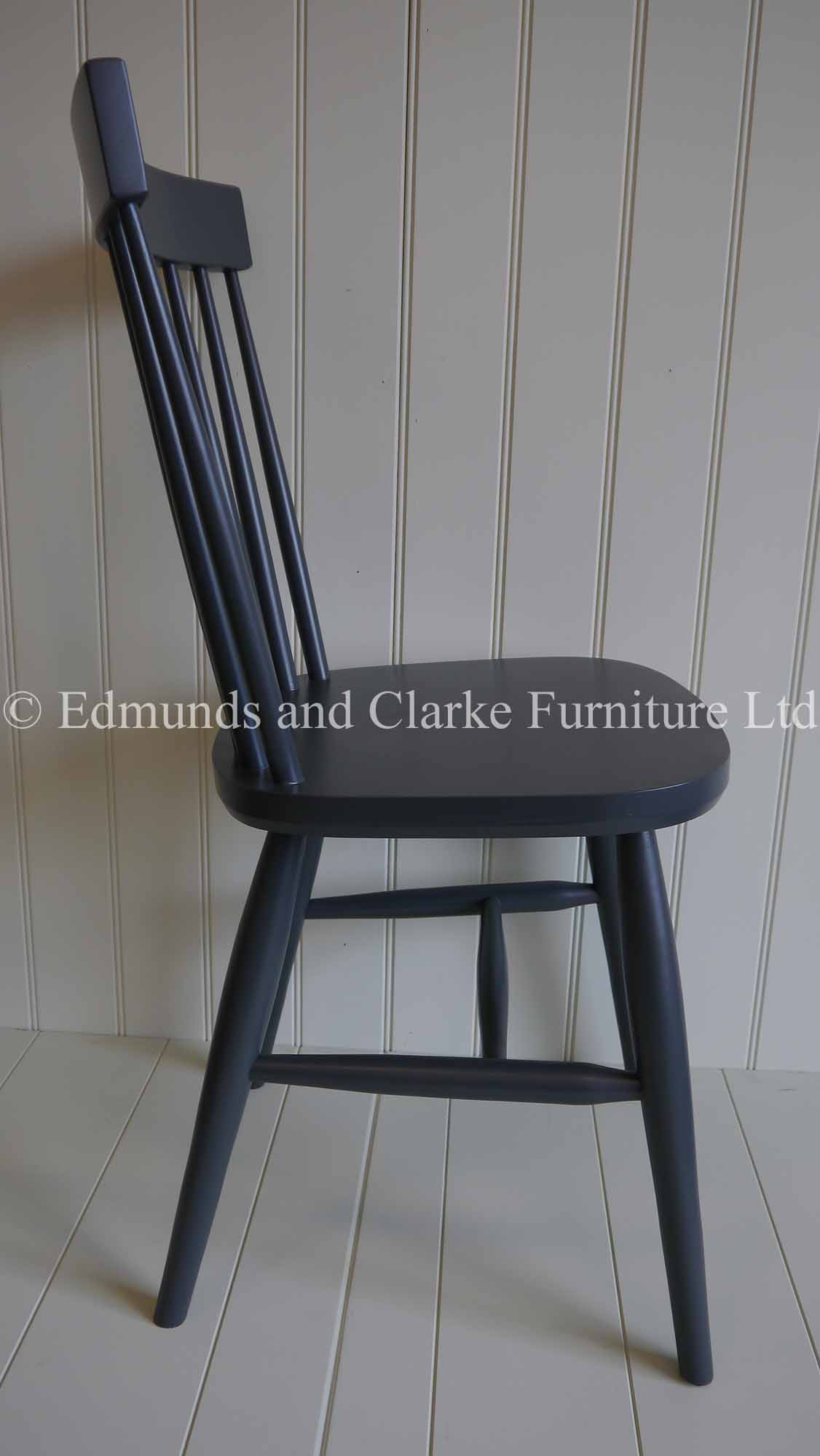 Nordic dining chair curved back rest turned legs and spindle back