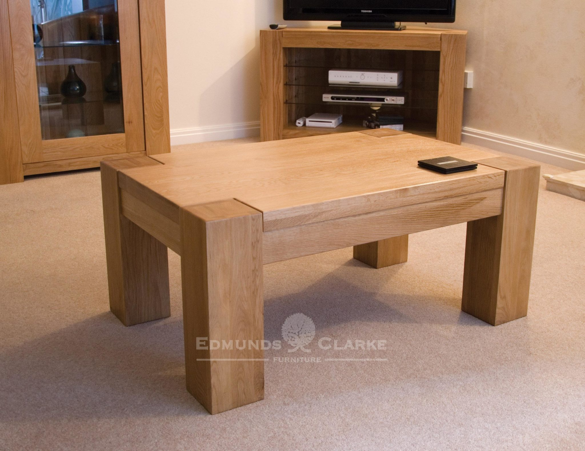 Newmarket 3' x 2' coffee table chunky solid oak