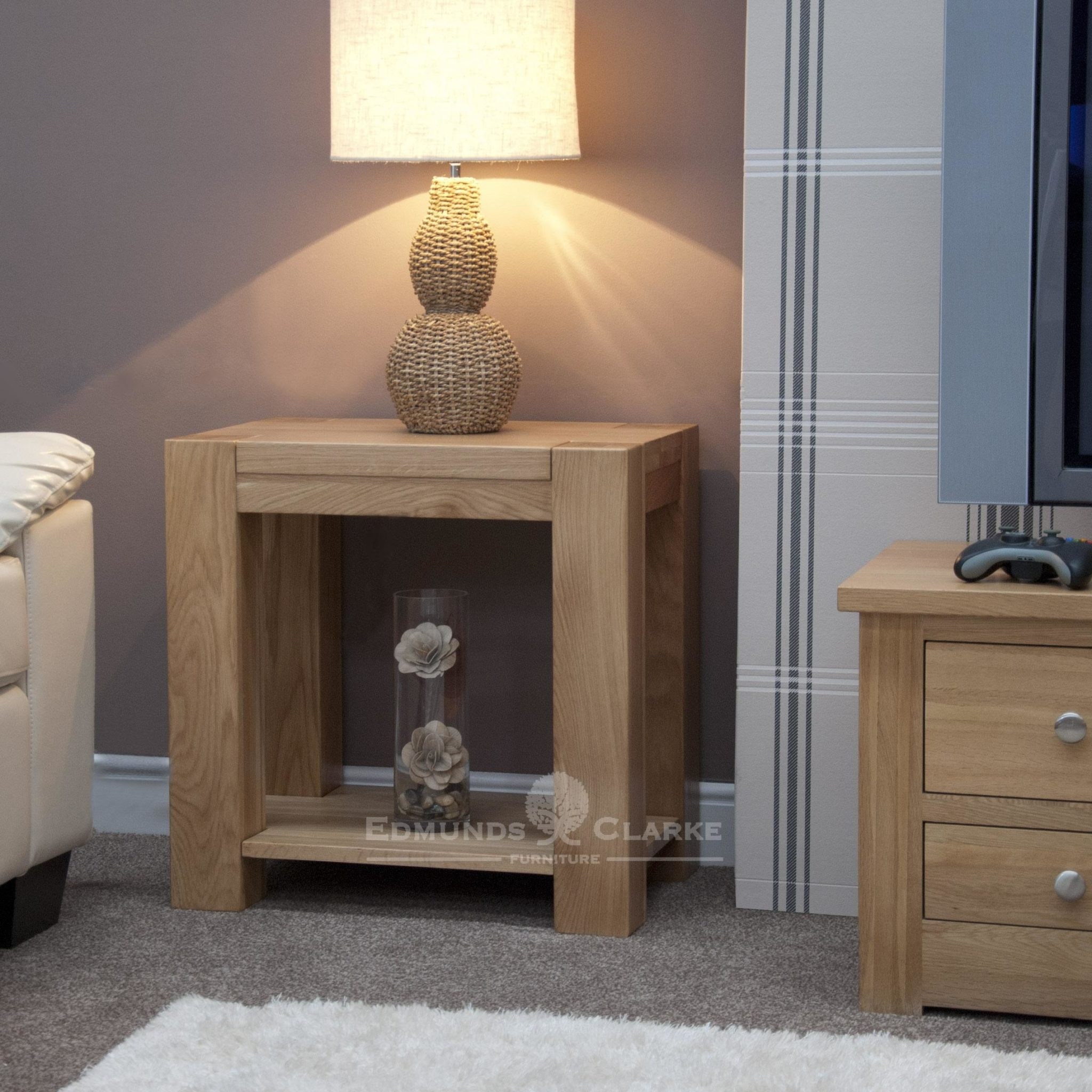 Newmarket square edge chunky oak lamp table