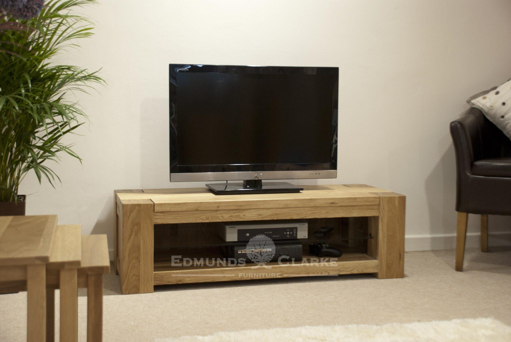 Wide solid oak chunky tv entertainment unit