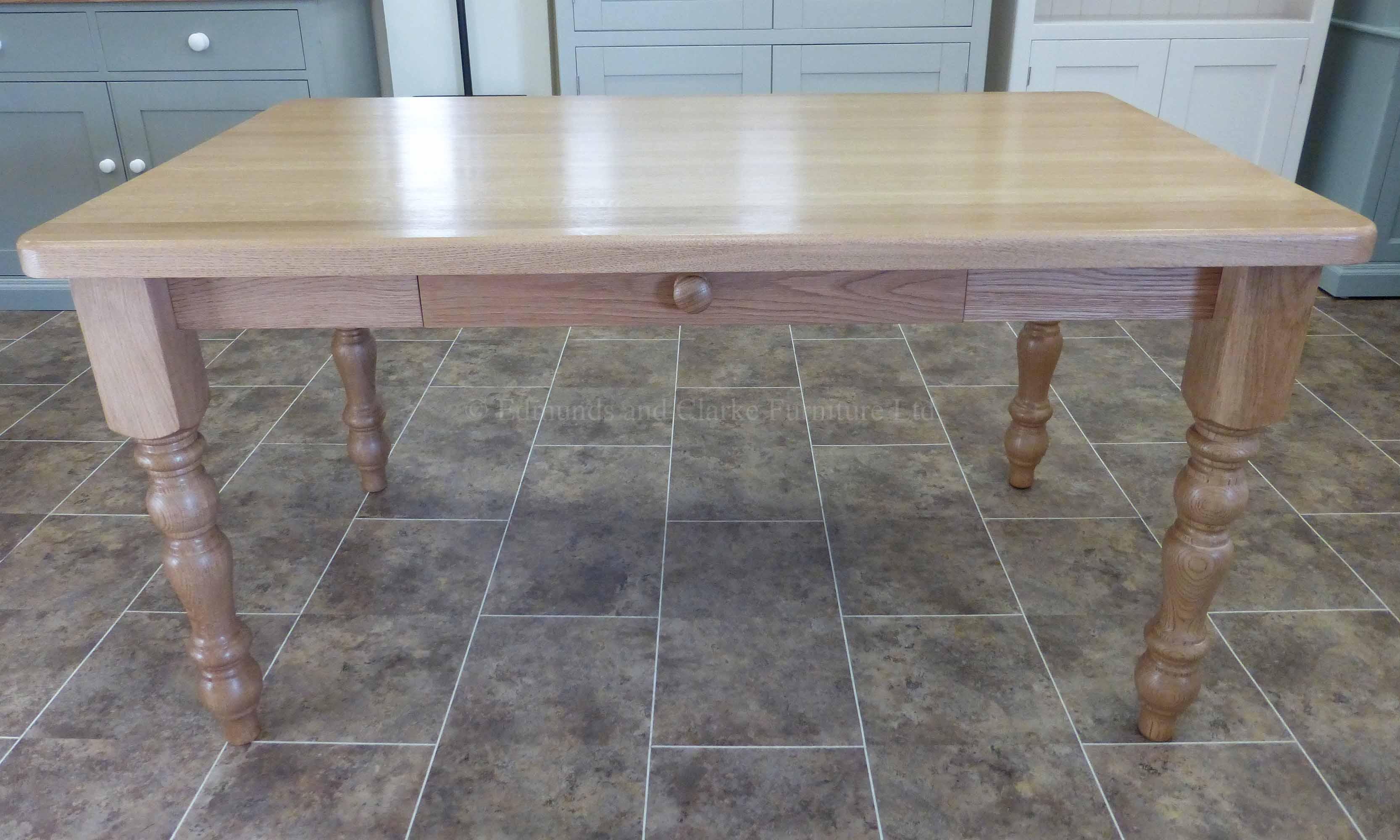 Farmhouse 5' x 3' table solid oak turned legs