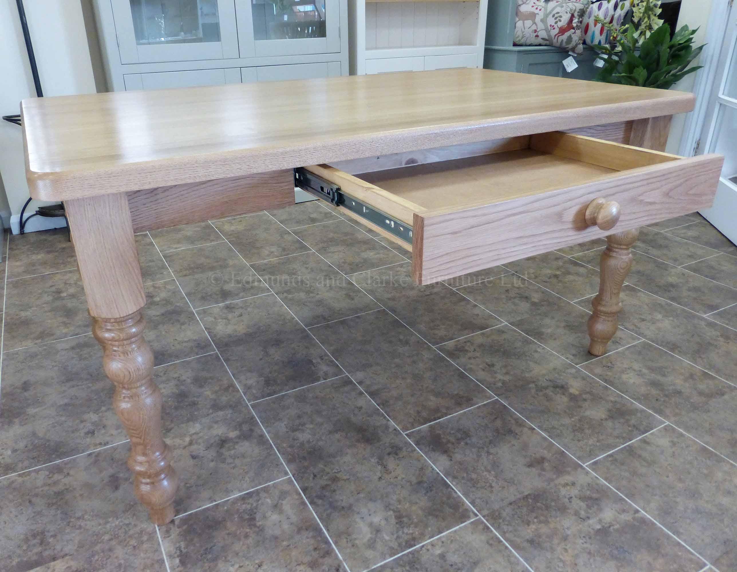 Edmunds solid oak 5' x 3' farmhouse table