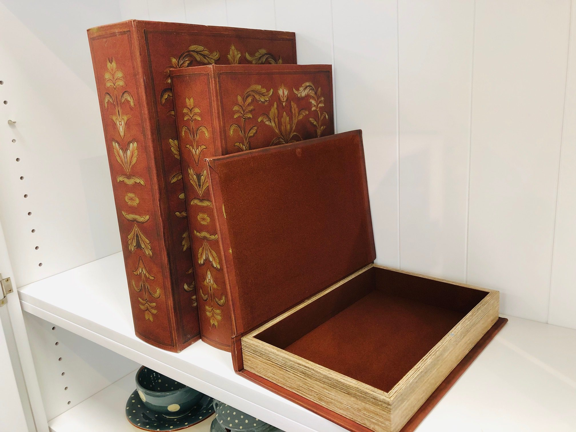Red Set of 3 book boxes o