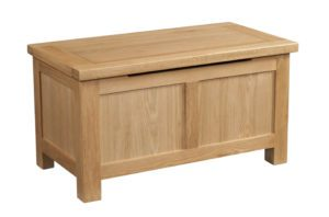 dorset oak blanket box with stay up lid and panelled sides