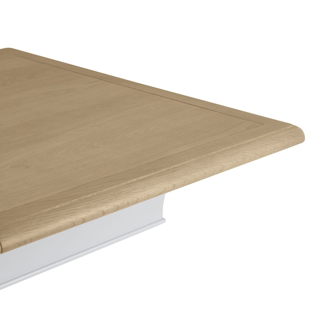 Cavendish extending dining table 2.1m showing top detail close up