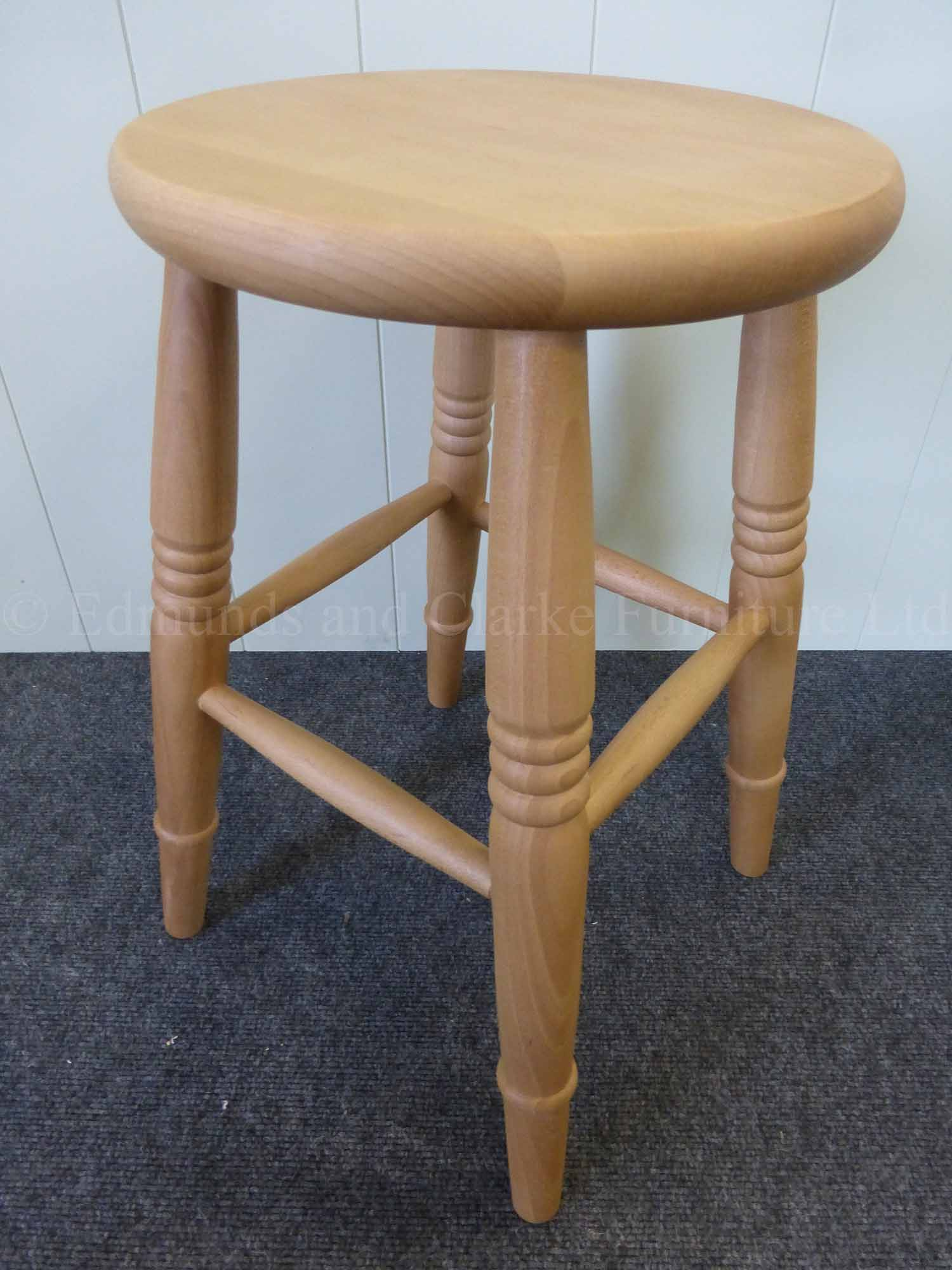 Low farmhouse stool lacquered