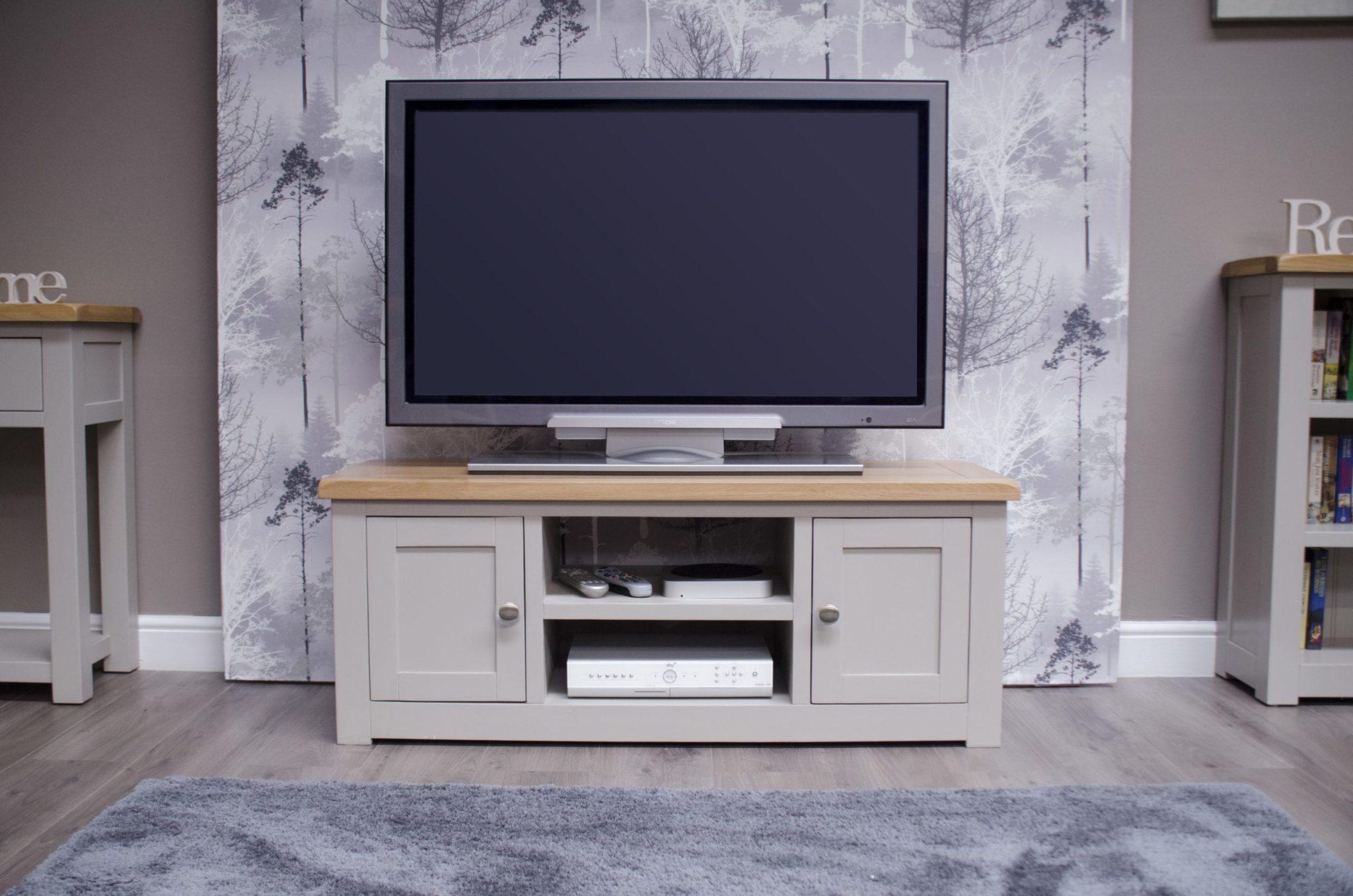 DIA2DTV diamond painted 2 door tv unit room set